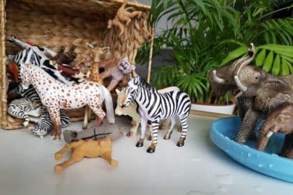 Rozwijające zabawy dla dzieci z figurkami