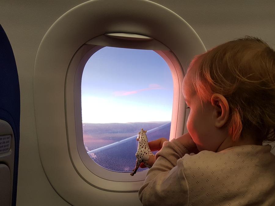 Dziecko w samolocie WizzAir
