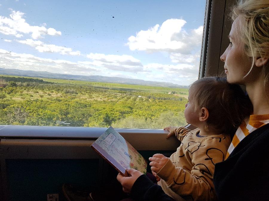 Sycylia z dzieckiem - podróż pociągiem do Syrakuz