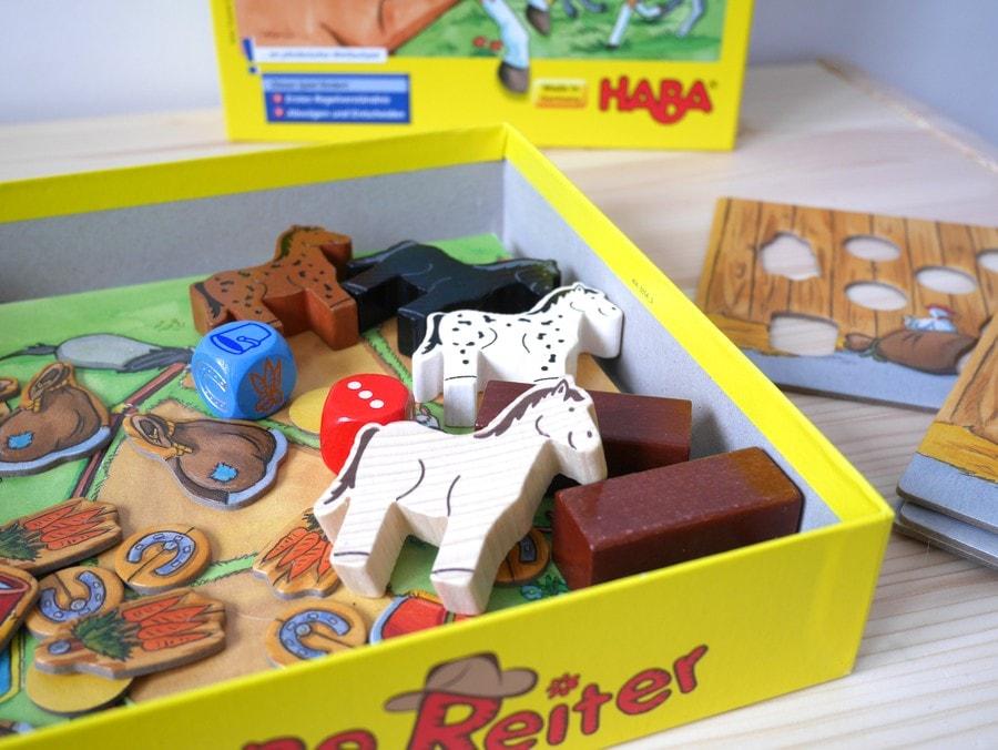 galopujące koniki gra dla 3 latka